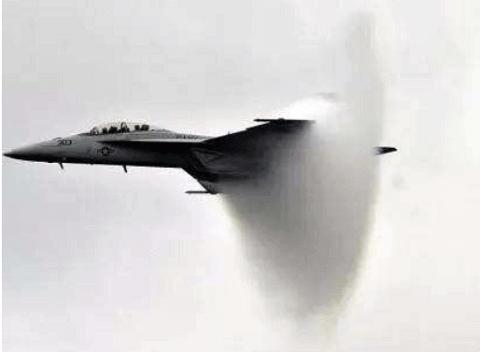 飞机超音速飞行时为何发出雷声